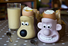 A grand breakfast (Dancing Fish) Tags: wallace gromit eggcups boiledeggs soldiers breakfast eggs boiled toast