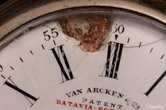 Old age comes with defects. (Digifred.nl) Tags: macromondays timepieces digifred 2019 nederland netherlands pentaxk5 hmm macro macrophotography closeup sieraden zilver jewels silver horloge beschadiging zakhorloge watch damage pocketwatch