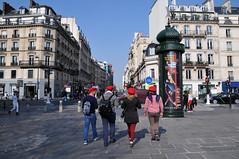 Quatuor de Berets Rouges (jeangrgoire_marin) Tags: red beret quatuor streetphotography spring sunnyday paris candids