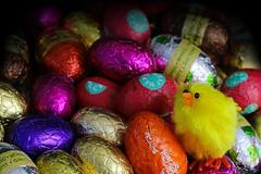 EEN EI BLIJFT EEN WONDER (Anne-Miek Bibbe) Tags: huevos eggs eieren lookingcloseonfriday paaseieren eastereggs huevosdepascua oeufsdepâques ostereier canoneos70d annemiekbibbe bibbe nederland 2019 chocoladeeieren oeufsauchocolat chocolateeggs huevosdechocolate