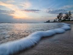 IMG_6218 ~ alam (alongbc) Tags: sunrise landscape coast coastline seascape shoreline cloud sea pantailanjut kualarompin rompin pahang malaysia travel place trip canon eos700d canoneos700d canonlens 10mm18mm wideangle