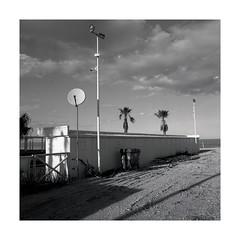 img016bord (oldboy820) Tags: landscape mare paesaggio 500cm 400iso trix 147 kodak hc110 50mm distagon hasselblad