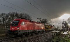04_2019_03_17_Gelsenkirchen_Bismarck_1016_044_ÖBB_mit_SCHWEERBAU Bauwagen_und_6140_070_RCCDE ➡️ Herne_Abzw_Crange (ruhrpott.sprinter) Tags: ruhrpott sprinter deutschland germany allmangne nrw ruhrgebiet gelsenkirchen lokomotive locomotives eisenbahn railroad rail zug train reisezug passenger güter cargo freight fret bismarck db öbb rccde sieag 0077 1016 6140 6145 6185 6193 ecr setg schweerbau logo natur outdoor graffiti wolken