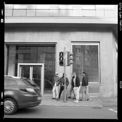Stadt (tiltdesign2016) Tags: ilfordhp5400asa analogphotography bw mittelformat yashicamat124g ilfordilfosol319 wuppertal elberfeld stadt street strase canoncanoscan9000f