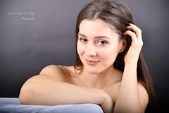 KOZ_9073 copie (jeanfrancoislaforge) Tags: koz nikon d850 woman elinchrom femme beauté beauty visage face portrait studio smile sourire iso64