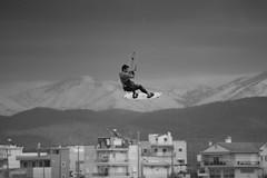 Η κακοκαιρία «Χίονη» σαρώνει την Ελλάδα με θυελλώδεις βόρειους ανέμους, κατά τόπους 10 μποφόρ, καταιγίδες και χιονόπτωση. Στην Χαλκίδα, θέση Λιανή Άμμο στην Χαλκίδα, Πέμπτη, 14 Φεβρουαρίου 2019. (X-Andra) Tags: 10beaufort 10μποφόρ 14φεβρουαρίου2019 2019 ammos chalkida february14 kitesurfing liani thursday adventurous bad hurricane hurricanes phenomenon practice rain snow snowstorms sport storm stormy weather winds άμμο ελλάδα λιανή πέμπτη χίονη χαλκίδα άνεμοι αθλήματοσ ανέμουσ βόρειοι εκμεταλλεύονται εξάσκηση θέση θυελλώδεισ καιρόσ κακοκαιρία καταιγίδεσ λάτρεισ τολμηροί φαινόμενο χιονόπτωση centralgreece greece gr