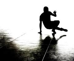 J'ai dansé mon ombre... (Sabine-Barras) Tags: réunion people personnes sport reportage dark silhouette hiphop danse dance street rue urbain urban city ville ombre shadow
