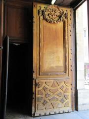 Wooden door, Église Saint-Polycarpe, Lyon, France (Paul McClure DC) Tags: lyon france july2017 auvergnerhônealpes architecture historic church lacroixrousse
