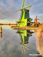 Windmill water reflection at Zaanse Schans The Netherlands (PictureJohn64) Tags: weerspiegeling powershot canon famous toerisme tourism zaanseschans nederland mill windmill windmolen molen picturejohn64 netherlands