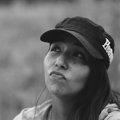 Sara (lebre.jaime) Tags: portrait sara baseballcap hasselblad 500cm sonnar cf40150 analogic film film120 120 mf middleformat squareformat 6x6 pb pretobranco noiretblanc blackwhite bw kodak ektar100 epson v600 affinity affinityphoto