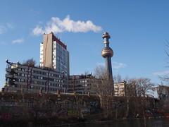 Hundertwasser (Elisabeth patchwork) Tags: spittelau hundertwasser fernheizwerk wien vienna austria architecture