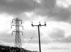 20190209 0236 Electricity Wires Pylon and Pole Nobury Inkberrow Worcestershire (rodtuk) Tags: misc roderickt 5star midlands rating flickr roderict cameramodel phototype flipublic rodt uk inkberrow worcestershire nobury technology canon5div england mono places