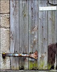 The old wooden door (Logris) Tags: door tür minimal old alt abandoned decay holz wood
