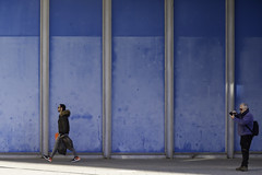 Running Away (kirru611) Tags: vitoria gasteiz araba basquecountry euskalherria street people nikon d610 70210