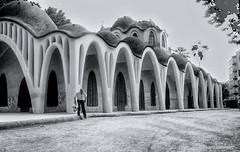 2757 Masía Freixa, Terrassa (Ricard Gabarrús) Tags: edificio arquitectura casa masía masíafreixa calle blancoynegro ricardgabarrus sony ricgaba
