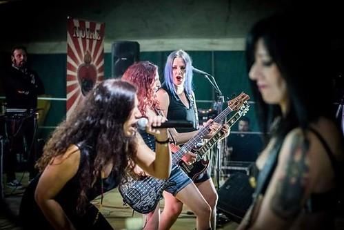 Rougenoire \m/ #rock #rocknroll 🔥 #hardrock 🎸#hardnheavy 🎥#elettritv💻📲 #musica #girls 🌹 #webtvmusicale #rougernoire #musicaoriginale #dalvivo #webtv #concerti 🙌 #female #live #sottosuolo #milf :s