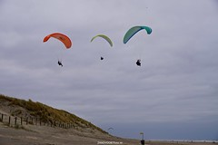 DSC02722 (ZANDVOORTfoto.nl) Tags: zandvoort edwin keur fotografie aan zee strand nederland netherlands kust coast shore beach beachlife parachute paraglide paragliders