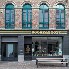 Bookz&Booze, Gent (itmpa) Tags: ghent eastflanders belgium be bookzbooze books booze alcohol shop retail combination hoogpoort gent archhist itmpa tomparnell canon6d canon 6d square crop cropped