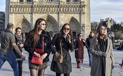 girls in mood (fred9210) Tags: chinagirls paris notredame france street nikon tourism esplanade french larebiere ladies chinese girls