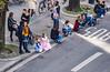 95-Princesses (Alain COSTE) Tags: bordeaux carnaval coursvictorhugo déguisement enfants fête gasconha immeuble pointdevue toits foule hauteur gironde france fr