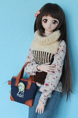 Waiting... (Ninotpetrificat) Tags: dd doll dollfiedream dollfie dollclothes denim yukino yukino2ndver volks punto knitting muñeca japantoys japandolls asiandoll cute kawaii hobby handmade toys