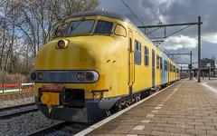 Plan V 904 leaving Geldermalsen for Utrecht (Nicky Boogaard) Tags: geldermalsen geldermalsenstation mat64 planv 904 planv904 mat64904 stichtingmat64