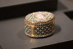 Jewell-encrusted snuff box (quinet) Tags: 2017 amsterdam antik netherlands rijksmuseum ancien antique museum musée