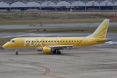 JA07FJ FUK 16.12.2018 (Benjamin Schudel) Tags: fuk fukuoka international airport japan fda fuji dream embraer erj emb ja07fj
