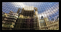 Lloyds Building 3 (Jean-Louis DUMAS) Tags: bâtiment building londres london artistique frame abstrait abstraction abstract artistic art architecte architectural architecture architect lignes géométrique design tower tour city tubes tuyaux reflets reflecting reflection