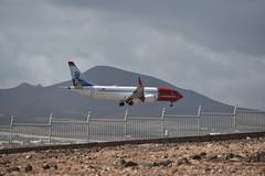 B-737 (YsantCab) Tags: boeing 737 max avion airplane flight tourist aeropuerto nikon d3400