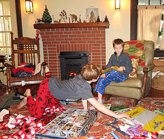 christmasreach (FAIRFIELDFAMILY) Tags: christmas 2018 jason taylor grant carson michelle winnsboro sc south carolina present presents family living room house interior arts crafts craftsman bungalow antique fireplace rug lego legos child boy young old children boys mother son fairfield county vintage tree morris chair oak mantle piece