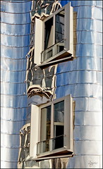 Window illusions (Logris) Tags: window windows fenster gehry fantay fantasie abstract abstrakt spiegelungen reflections