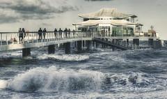 Sturm am Teehaus (petra.foto busy busy busy) Tags: ostsee strand hochwasser sturm stürmisch schleswigholstein germany fotopetra canon 5dmarkiii seebrücke wellen januar 2019