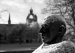 King's (PeskyMesky) Tags: aberdeen aberdeenuniversity kings kingscollege university statue dof depthoffield monochrome blackandwhite snow winter february 2019 canon canon5d eos