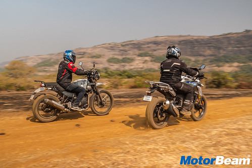BMW-G-310-GS-vs-Royal-Enfield-Himalayan-17