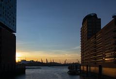 Hamburg harbour (bhermann.hamburg) Tags: hamburg hafen harbour elbphilharmonie abend evening sonnenuntergang sunset licht light