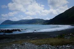 Plage interdite la nuit (8pl) Tags: mer baie paysage ciel eau océan île côte sable plage pierre roche montagne lanyu taïwan