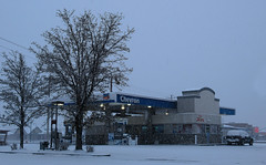 Chevron in the Snow (arbyreed) Tags: asrbyreed snowfalling gasstation chevrongasstation arbyreed winter dark gasstationinthesnow snowyday orem utah