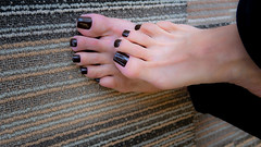 Louise (IPMT) Tags: toenail sexy toes polish foot feet pedicure pedi barefoot barefeet zoya descalza pies chocolate brown café obscure louise