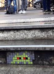 PA_263 Reactivated space invader in Paris 16th (Sokleine) Tags: spaceinvader invader street streetart artderue rue arturbain urbanart tiles mosaics paris france 75016 stairs escalier marches steps metro vert green