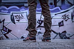 ([gegendasgrau]) Tags: durch sneakers asicsgellyte dirty urbandecay chrome cord gear graffiti vandalism vandalismus paint urbanart traingraffiti trainbombing urban urbanlife decay verfall train zug eisenbahn railway bahnsteig platform bahnhof trainstation station pattern lowpov cold kalt streetstyle streetlife street licht light bokeh photography fotografie explore mood moody ambiance atmo atmosphere atmosphäre feeling flavour documentation dokumentation reportage lifestyle umwelt environment wetter weather stimming beautiful dortmund ironcity nrw ruhrpott ruhrgebiet ruhryork streetphoto person waiting youngtimer closeup details