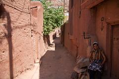(piper969) Tags: people iran street abianeh woman donna