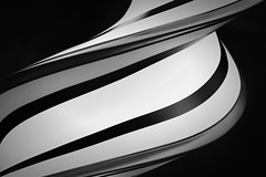 Twister (HWHawerkamp) Tags: london gb graphics abstract monochrome sculpture modern travel