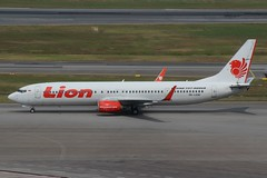 Lion Air (So Cal Metro) Tags: airline airliner airplane aircraft plane jet aviation airport singapore sin changi lion lionair boeing 737 737900er 737900 739 pklgw