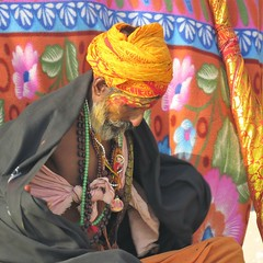 varanasi 2017 (gerben more) Tags: varanasi benares saddhu man beard turban colours colors