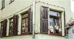 179- DETALLE EN LA CALLE DE LA LITERATURA - VILNIUS - LITUANIA - (--MARCO POLO--) Tags: calles barrios ciudades curiosidades hdr arquitectura