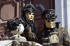 Les clefs (RarOiseau) Tags: carnaval masque annecy ville hautesavoie fête
