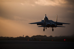 United States Air Force, Boeing F-15E Strike Eagle, 00-3003. (M. Leith Photography) Tags: usaf boeing f15 eagle jet flying fighter suffolk lakenheath raf fast aviation usa sunset markleithphotography nikon d7200 200500f56 nikkor england