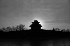 Sunset Beijing (sunnywinds*) Tags: beijing sunset theforbiddencity winter city 日落 夕阳 北京 中国 紫禁城 角楼 角樓 中國 夕陽 黑白 白黑 monochrom leica leicam summiluxm11435mmasph 35m