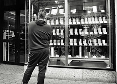 New Phone (Bury Gardener) Tags: monochrome mono bw blackandwhite britain england eastanglia uk people peoplewatching folks nikond7200 nikon 2019 streetphotography street streetcandids snaps strangers candid candids cambridgeshire cambridge